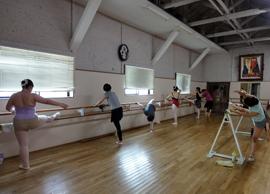 バレエを楽しむ大人のためのクラス